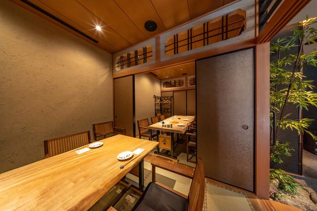 個室でゆっくりとお食事をお楽しみください